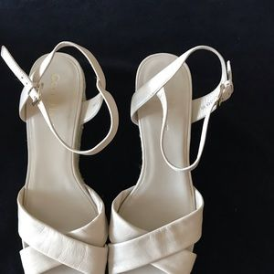 Shoes - COLE HAAN Nike Air Leather, Size 9B Wedge
